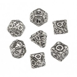 QW METAL-BLACK TECH DICE SET (7)